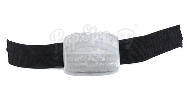 Prop-Store-Bwing-Helmet05.jpg