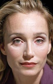 Смотреть Кристин Скотт Томас Онлайн бесплатно - Дама Кристин Энн Скотт Томас, DBE — британская актриса, номинировавшаяся на премию...