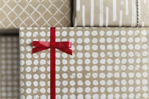 How To Find The Perfect Anniversary Gifts To Express Your Love And Happiness