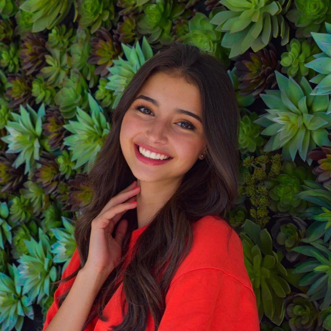 Cassandra-Cano-Wallpapers-Insta-Fit-Bio-14