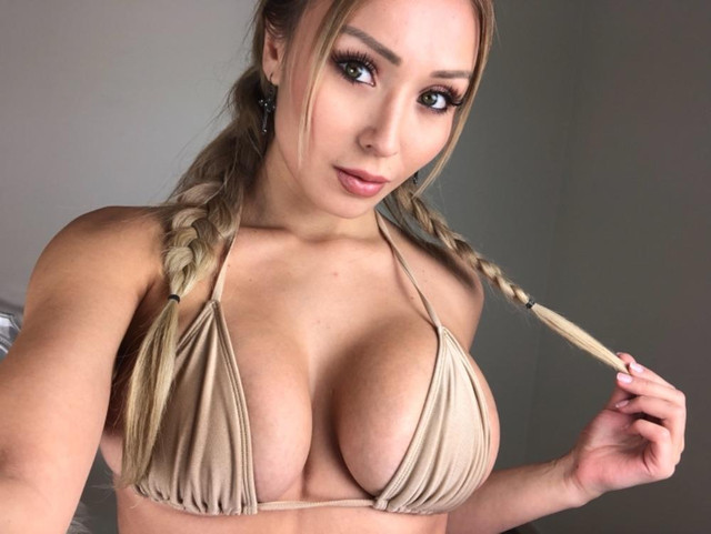 Daniella-Chavez-062