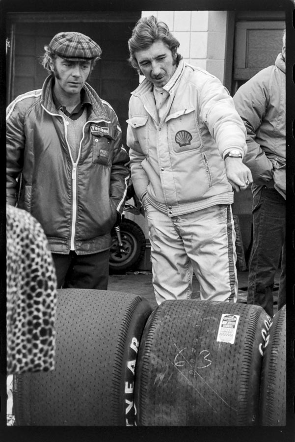 1971-Jo-Siffert-right-in-the-pits-during