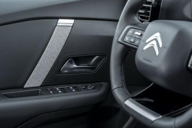 2020 - [Citroën] C4 III [C41] - Page 34 872372-C4-B707-454-E-A730-BA2-F3354-B13-B