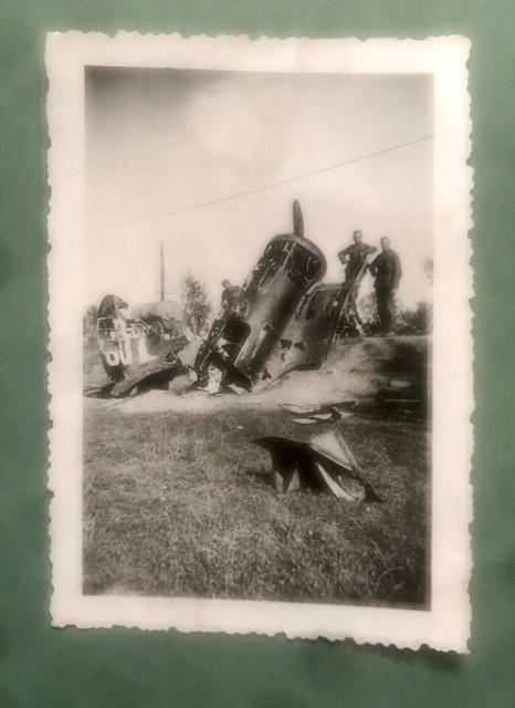Foto-abgeschossenes-Flugzeug-2-WK