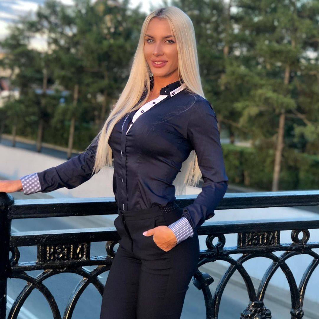 Evgeniya-Alexandrovich-Wallpapers-Insta-Fit-Bio-4