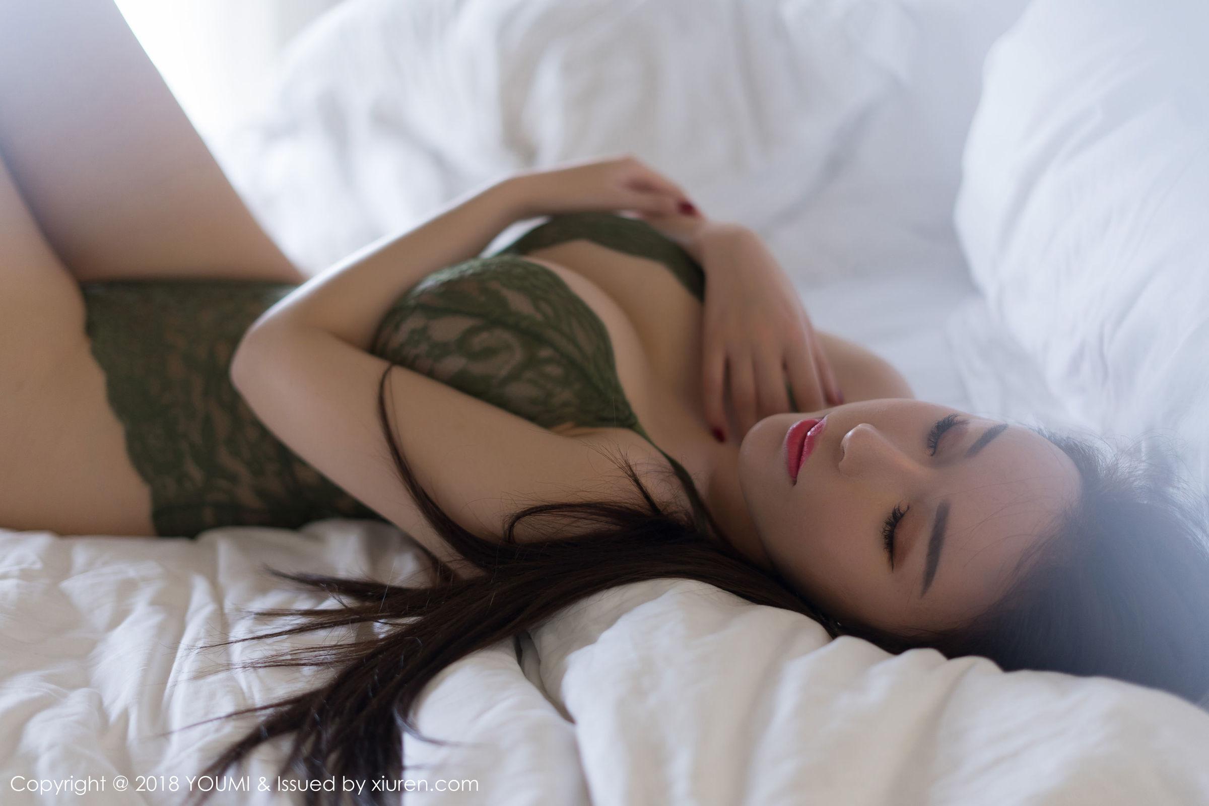 [YouMi尤蜜荟] Vol.228 性感女神@Egg_尤妮丝马尔代夫旅拍写真