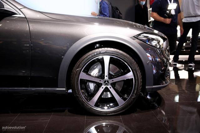 2021 - [Mercedes-Benz] Classe C [W206] - Page 18 1-E1-D127-D-9-B98-403-F-9-D74-9-D0-CF3683-C85
