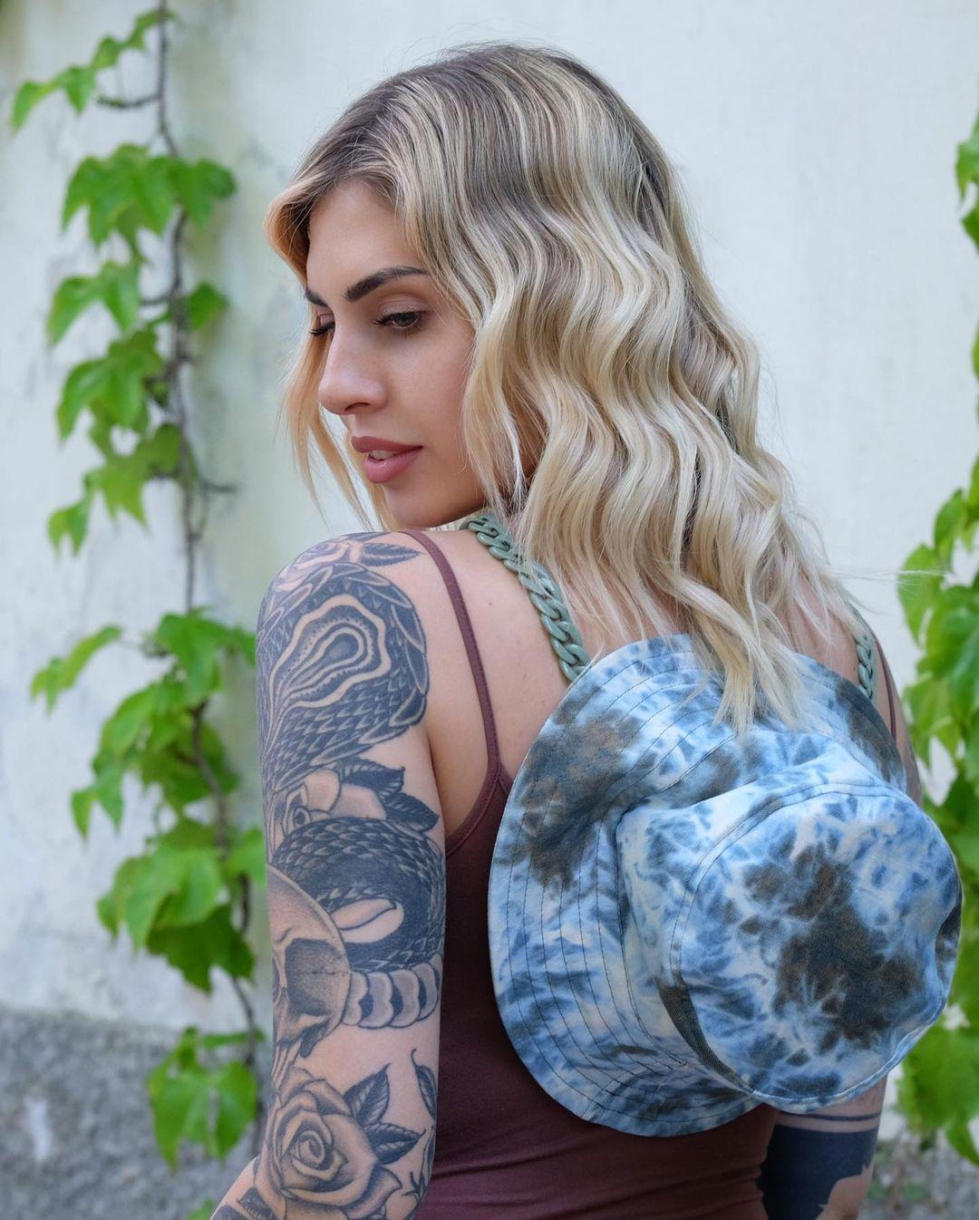 Ludovica-Melisurgo-Wallpapers-Insta-Fit-BIo-13