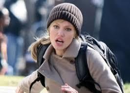 Evelyne Salt(Angelina Jolie) on the run