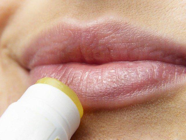 https://i.ibb.co/QmBKJhT/2-import-private-label-lipstick-of-your-own-brand.jpg