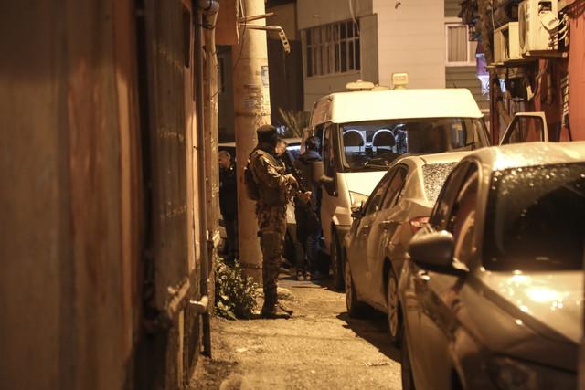 Adana-nn-Seyhan-ilesinde-el-yapm-patlayc-EYP-bulundu-Olay-yerine-giden-aralarnda-zel-harekat-polisle
