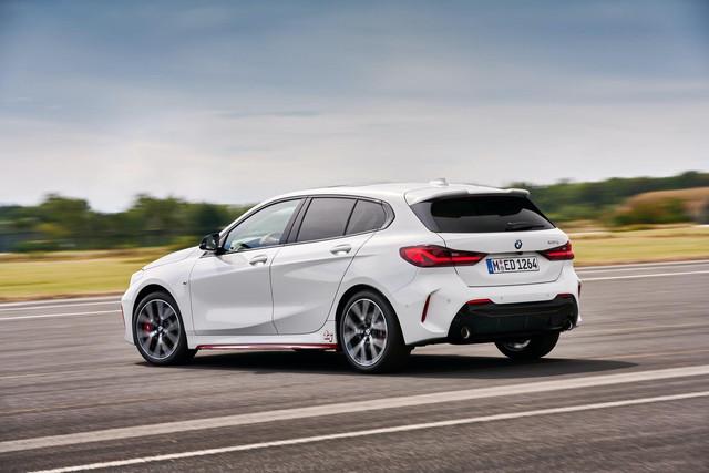 2018 - [BMW] Série 1 III [F40-F41] - Page 31 08824385-8209-4-BFB-9-B83-0-AEE032-B4-BAD