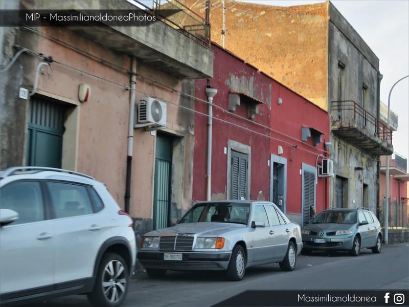 avvistamenti auto storiche - Pagina 11 Mercedes-W124-250-D-2-5-94cv-93-TV992702-189-075-1-2-2018