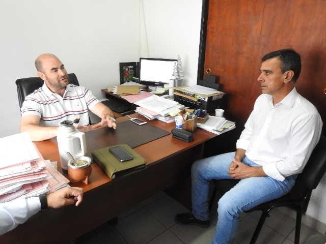 Silva se reuni� con el secretario general del tribunal electoral provincial