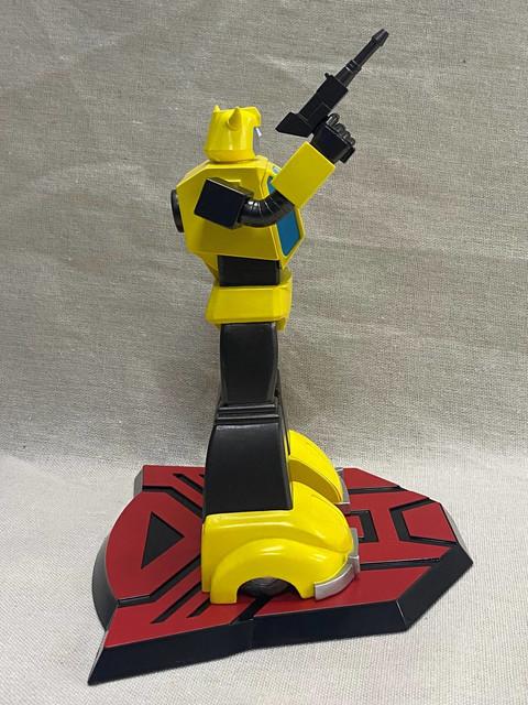 Pop-Culture-Shock-9-inch-G1-Bumblebee-4