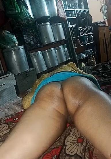 Bhabhi-Pussy-Licking-Sex42-Online-mp4-snapshot-00-50-000