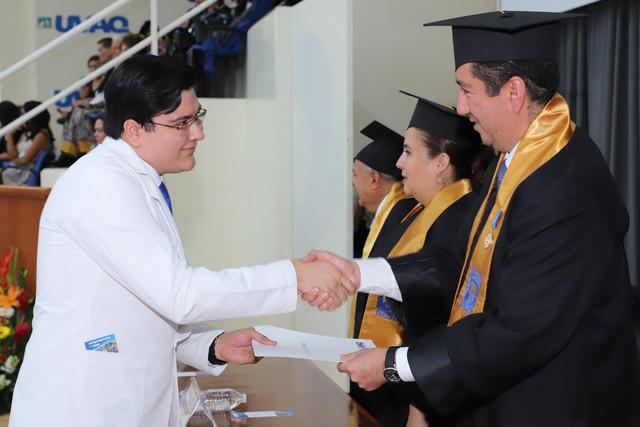 Graduacio-n-Medicina-148