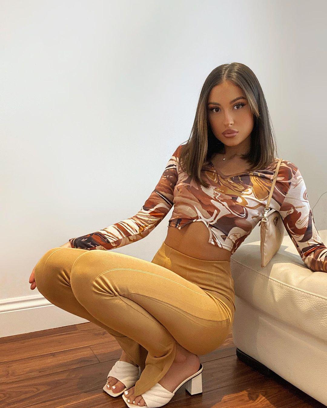 Liana-Marisa-Wallpapers-Insta-Fit-Bio-6