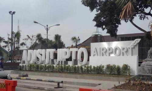 Bandara Adi Soemarmo Ditutup, 4 Penerbangan Dibatalkan
