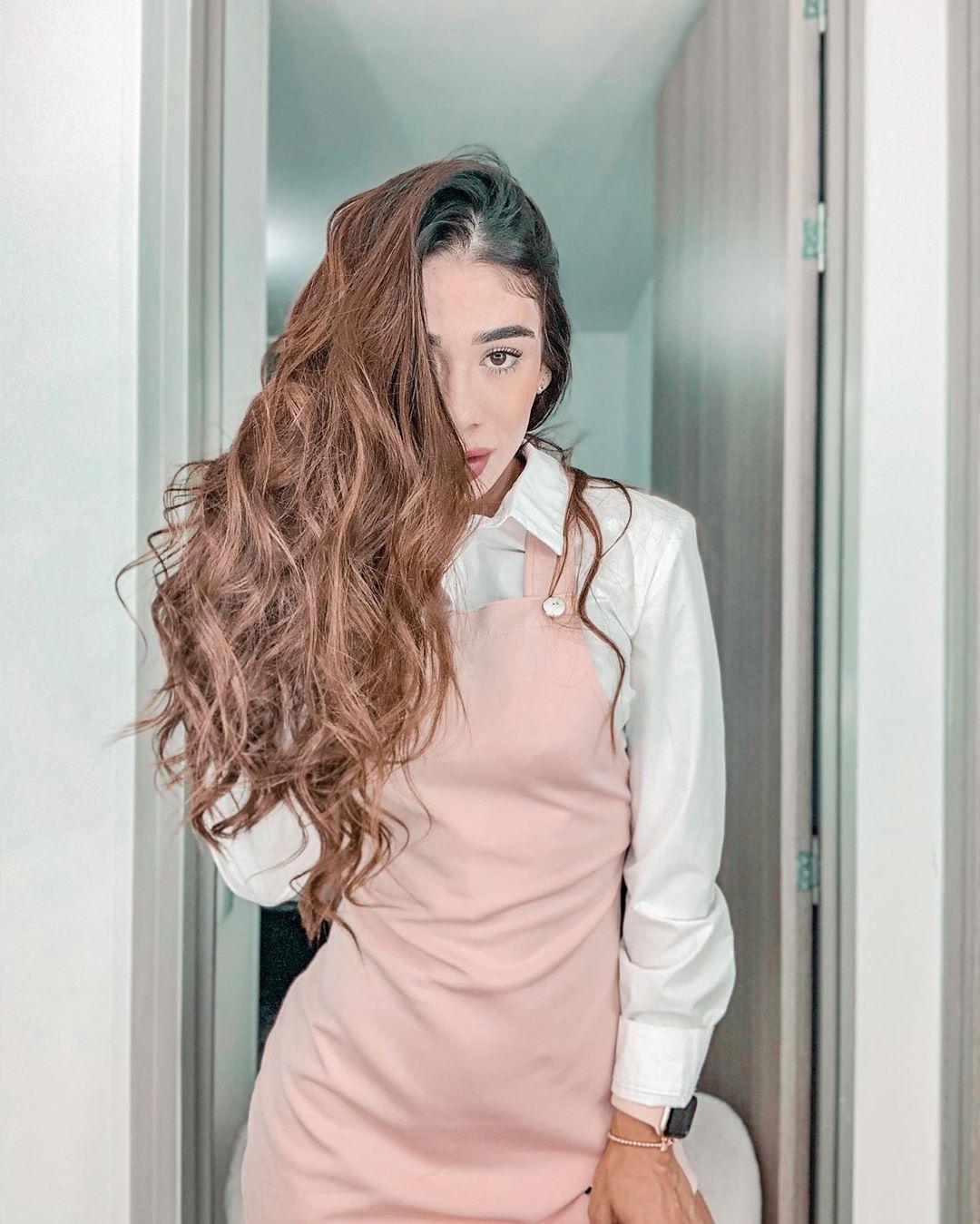 Juliana-Gomez-Wallpapers-Insta-Biography-4