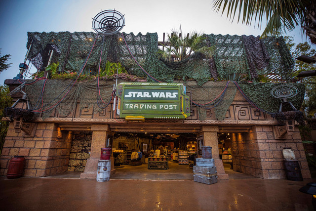 [Disneyland Resort] Le coin des petites infos - Page 11 Star-Wars-Trading-Post-at-Downtown-Disney-District-in-Anaheim-California-is-the-go-to-place-for-all