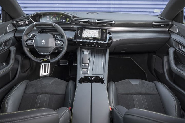 2018- [Peugeot] 508 II [R82/R83] A2134-A80-D4-EC-4-E27-8332-8-AF1-B7-CFA409