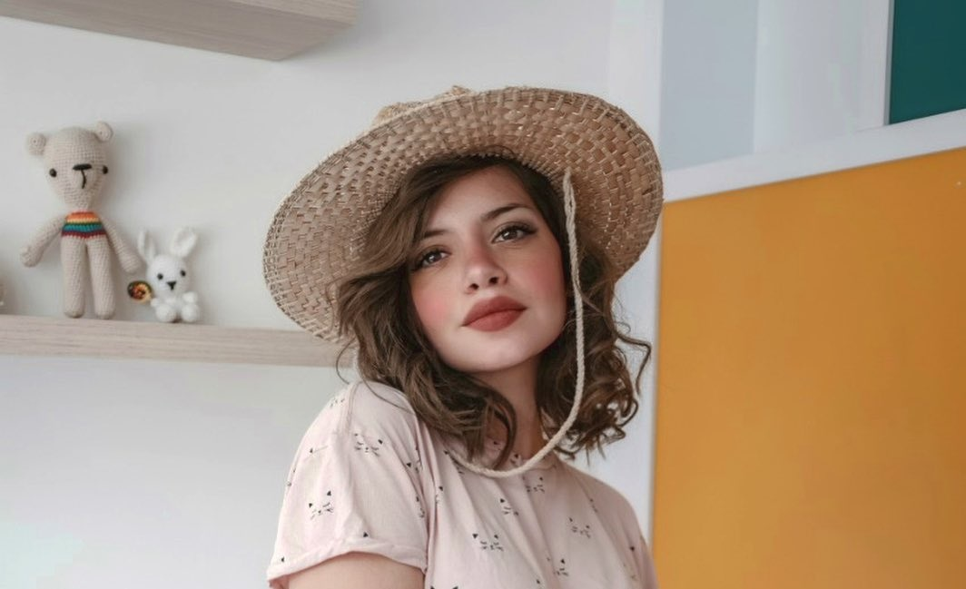 Paulina-Buenavida-Wallpapers-Insta-Fit-Bio-5