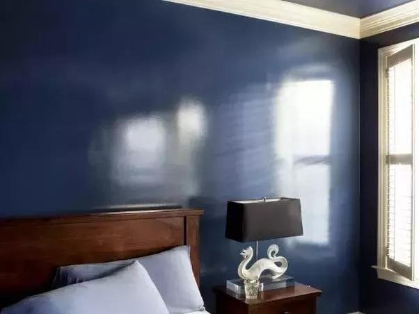 Dinding Kamar Dengan Cat Satin