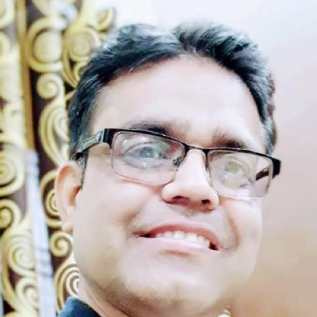 छलावे और सत्ता की मशीनरी के बीच दुनिया में लोकतंत्र की यात्रा - डॉ अजय खेमरिया