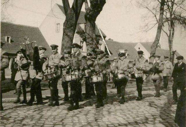 Umzug der Schalmeien-Kapelle 1931