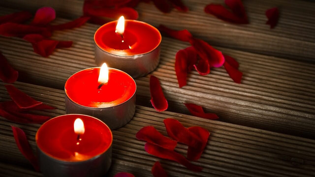 red-candle-meaning