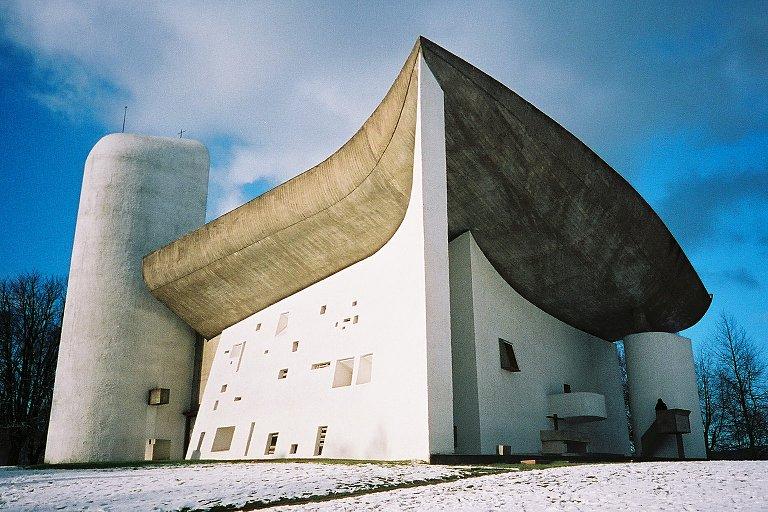 Chapel Notre dame de Haut by Le Corbuiser