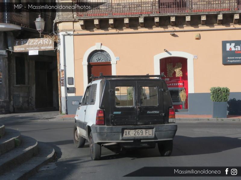 Veicoli commerciali e mezzi pesanti d'epoca o rari circolanti - Pagina 10 Fiat-Panda-Van-1-0-45cv-96-AK269-FL