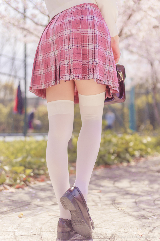 Tsubaki Album Vol 001 Pink Sailor suit & White knee socks 桜満開の季節 ピンク色に染めた学園 025