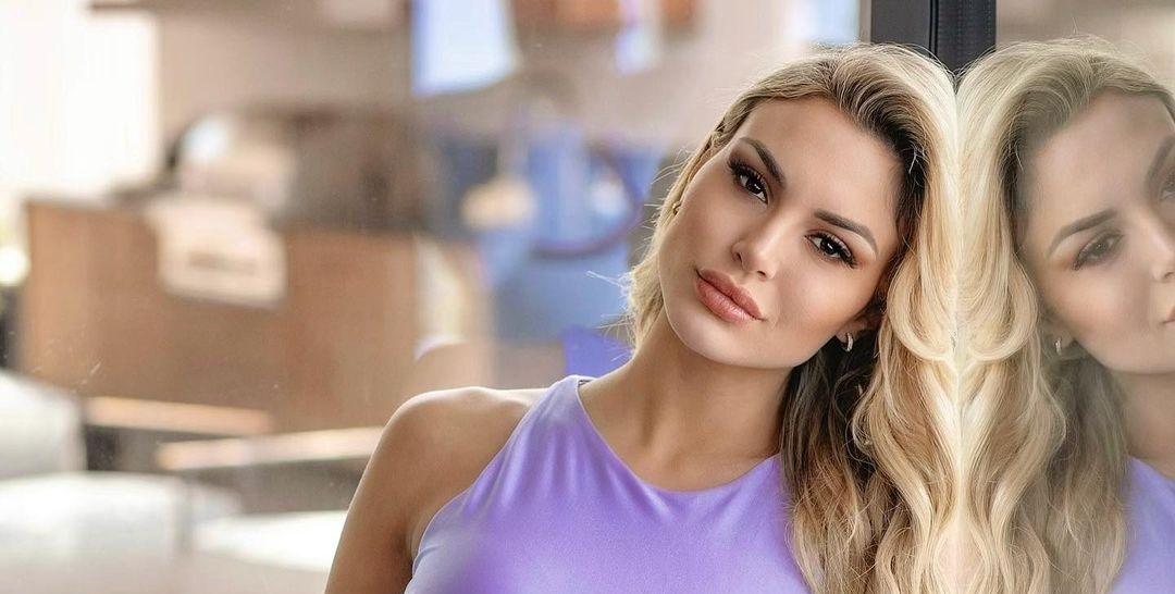 Alexandra-Panagiotarou-Wallpapers-Insta-Fit-Bio-13