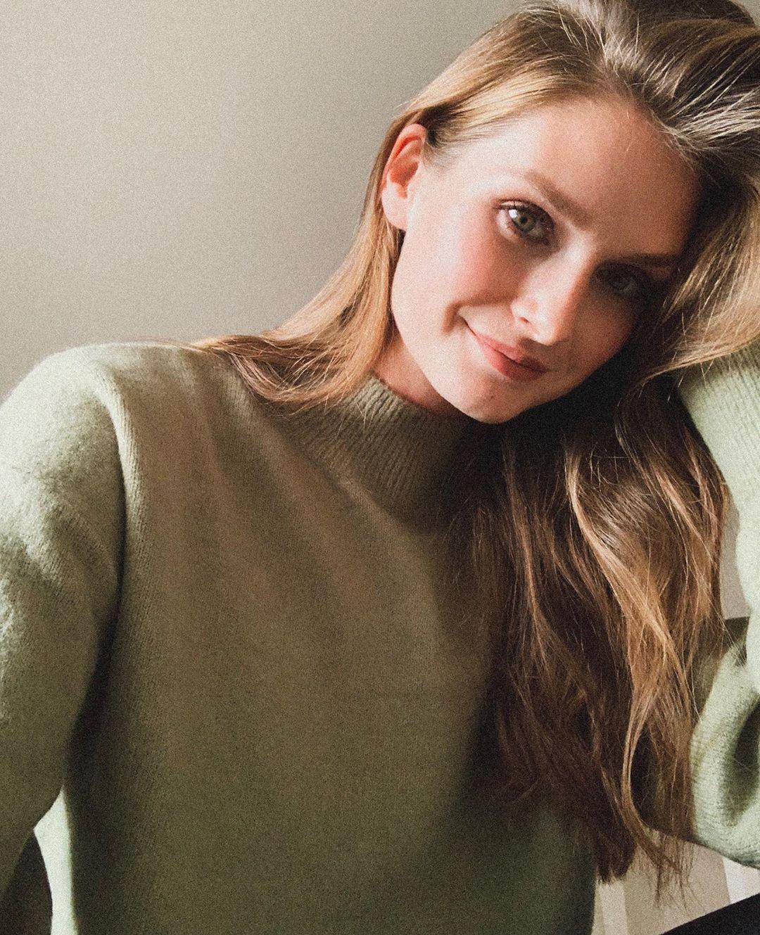 Johanna-Gronholm-Wallpapers-Insta-Fit-Bio-4