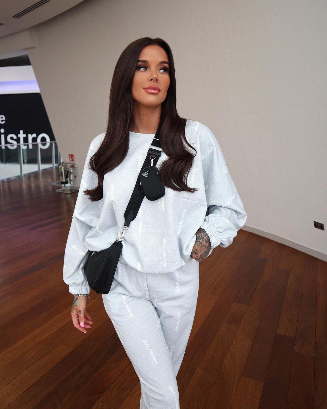 Lauren-Houldsworth-Wallpapers-Insta-Fit-Bio-2
