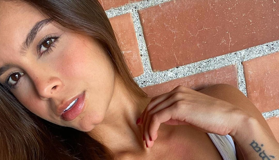 Daniela-Medina-Wallpapers-Insta-FIt-Bio-18