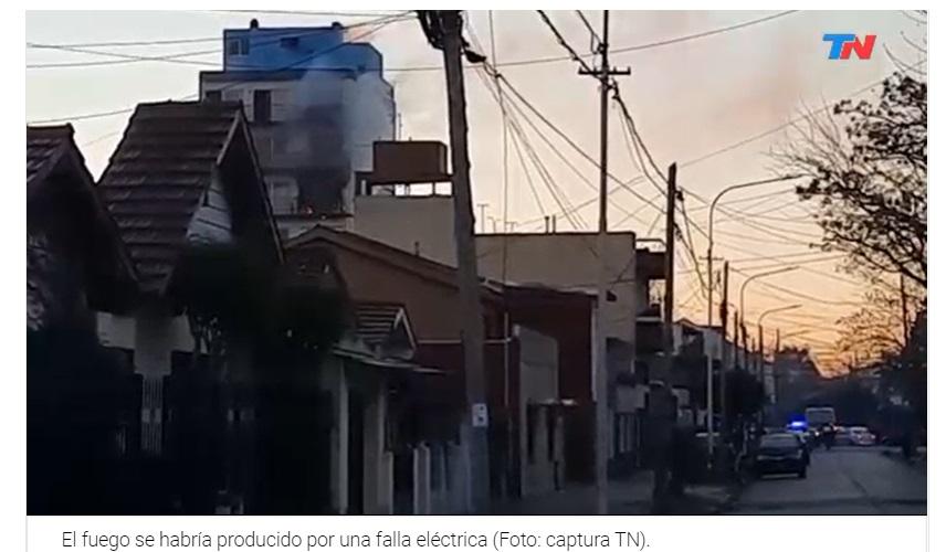Incendio fatal en un edificio en Caseros: murieron dos bomberos y hay un herido grave