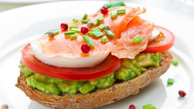 roti-bakar-salmon