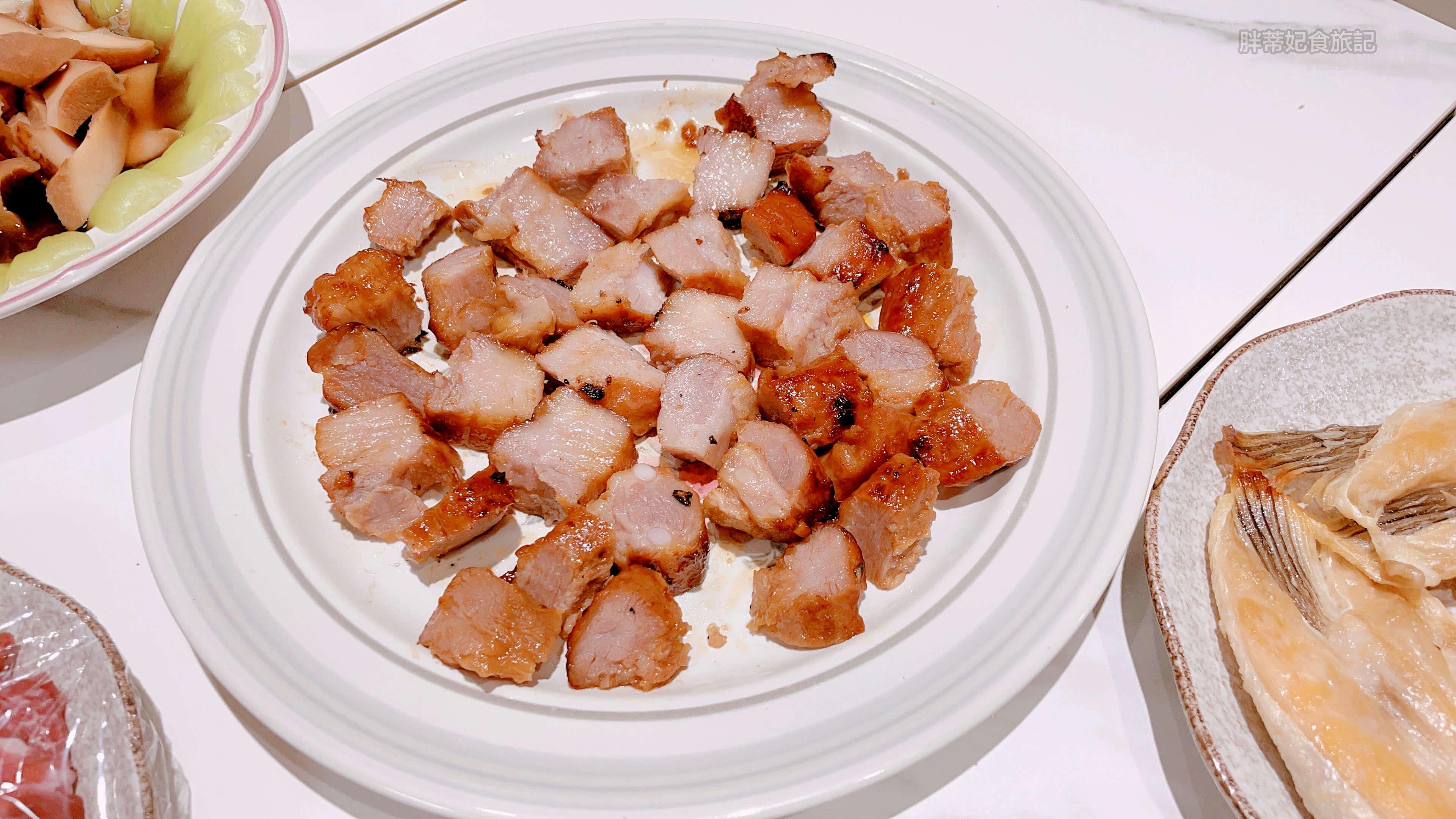 切成小塊的 陽光豬法式醃豬肋排