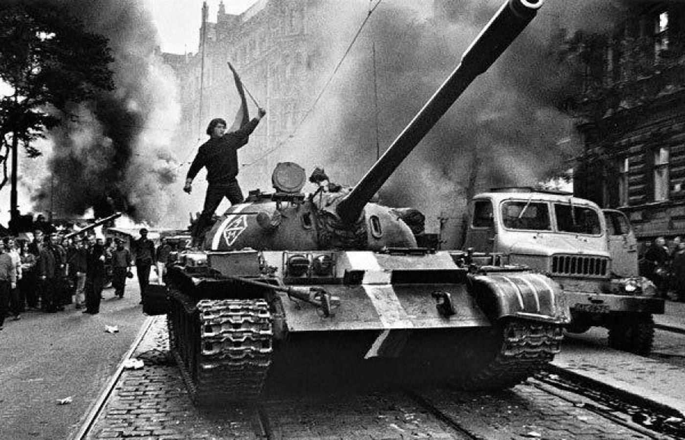 ano-1968-invasao-Praga-1