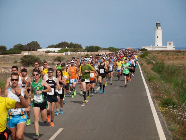 faro-medio-maraton-formentera-travelmarathon-es
