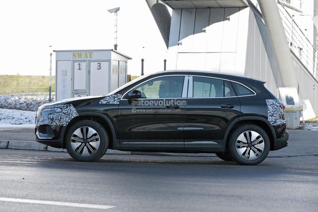 2020 - [Mercedes-Benz] EQ A - Page 4 F0-C1-B8-E1-0-C88-464-E-BF9-E-22989-A44-A73-E