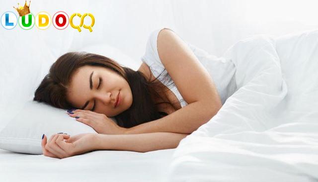 Hindari kebiasaan Makan Sebelum Tidur, Kenapa?