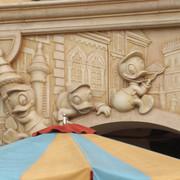 Shanghai-Disneyland-Il-Paperino-Donald-Waffle-Mural-1
