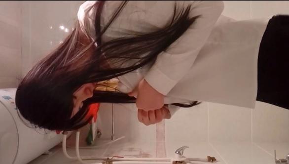 Clip: Quay lén  Em học sinh tắm, Đúng là dáng non mơn mởn :))