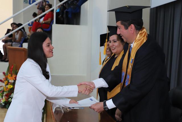 Graduacio-n-Medicina-97