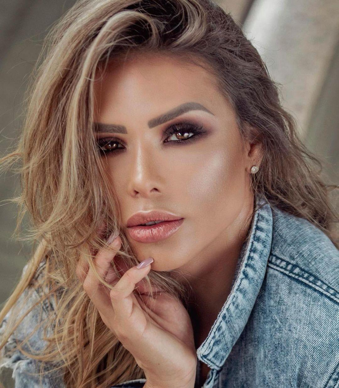 Alessandra-Batista-Wallpapers-Insta-FIt-Bio-6