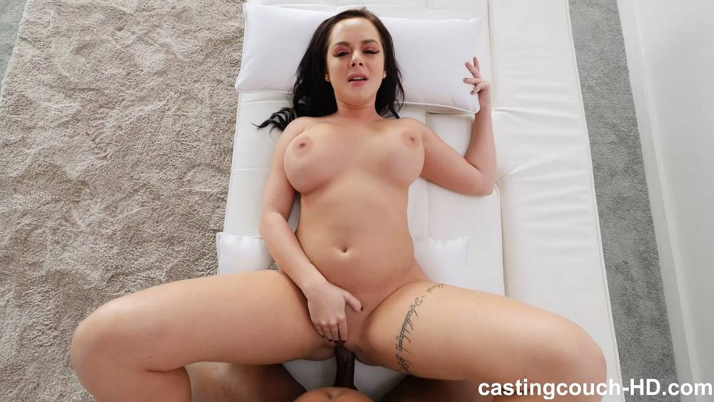Thick White Girl Solo Squirt